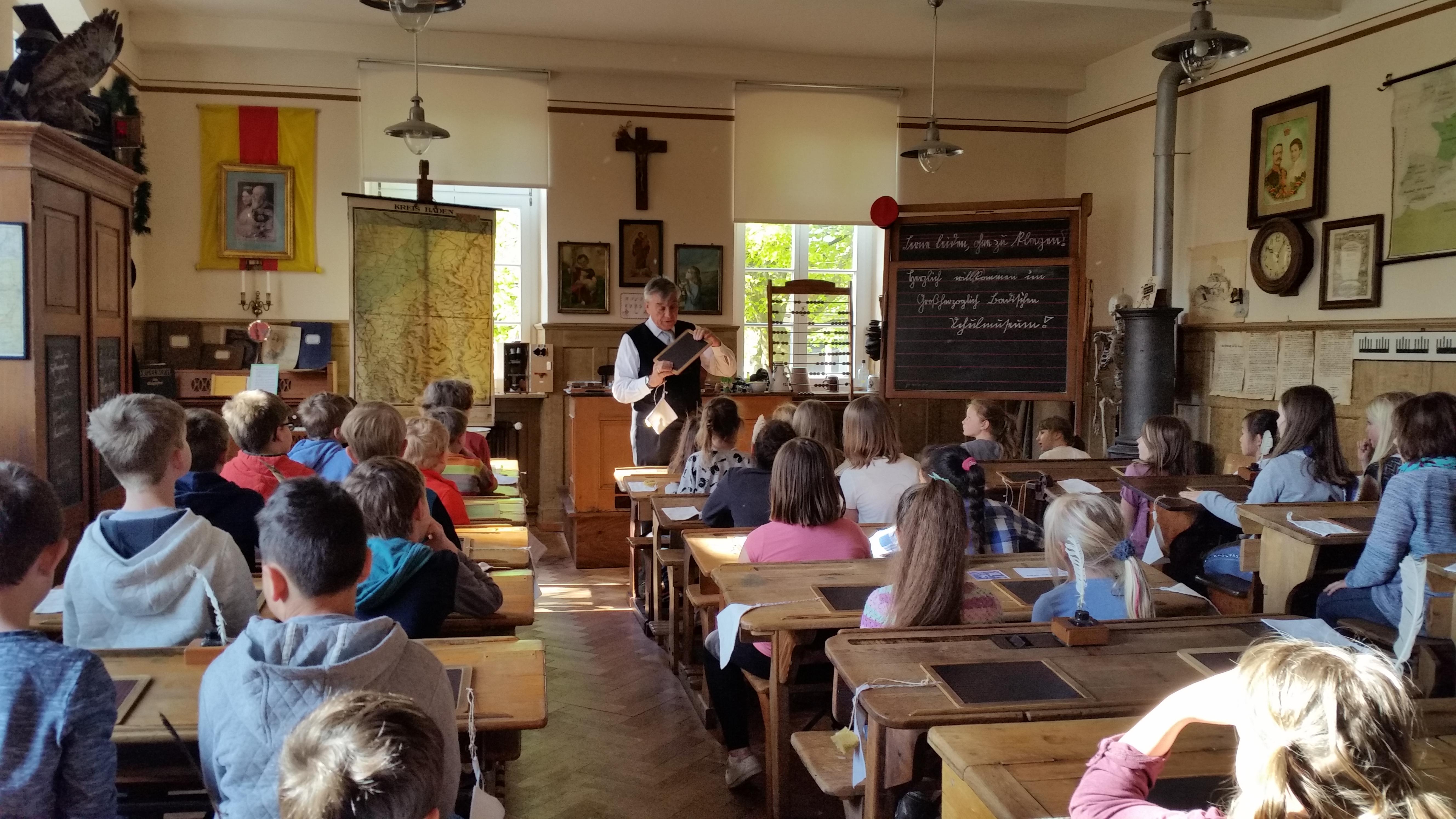 Lerngang Zum Schulmuseum Der Klassen 3 Der Grundschule